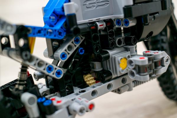 Lego Technic BMW Motorbike Engine