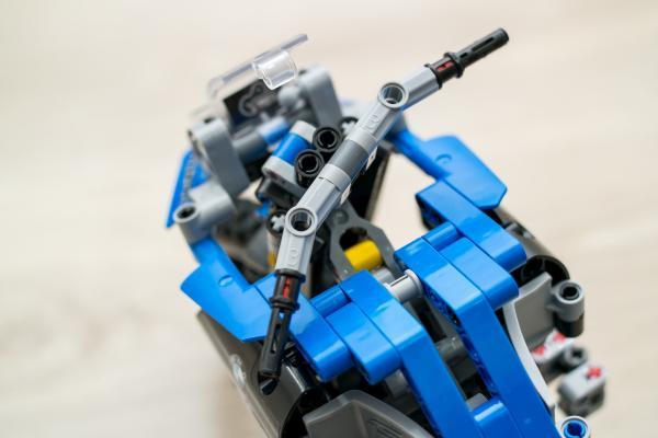 Lego Technic BMW Motorbike Front
