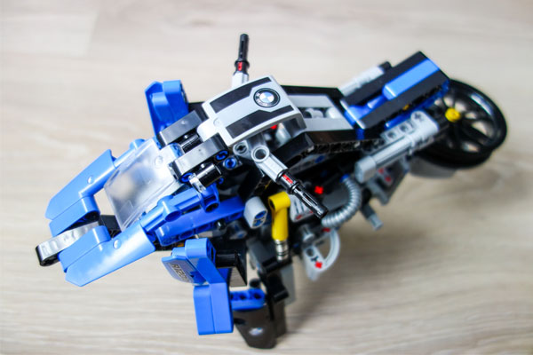 Lego Technic BMW Hovercraft 3