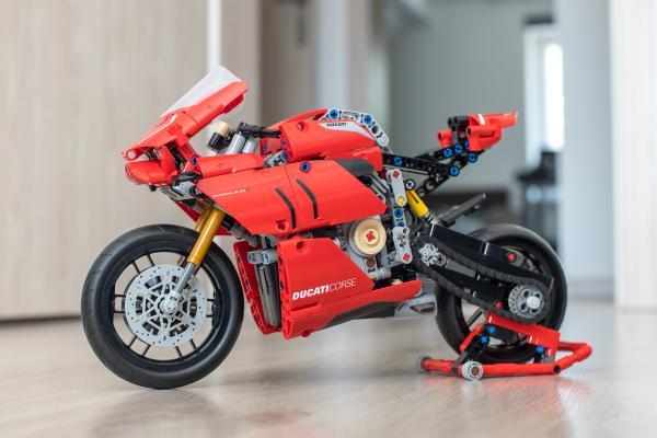 Lego Technic Ducati Motorbike