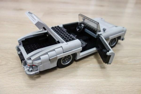 MOC Mercedes-Benz 300SL 02