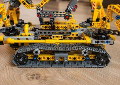 Lego Technic Crawler Crane Side View